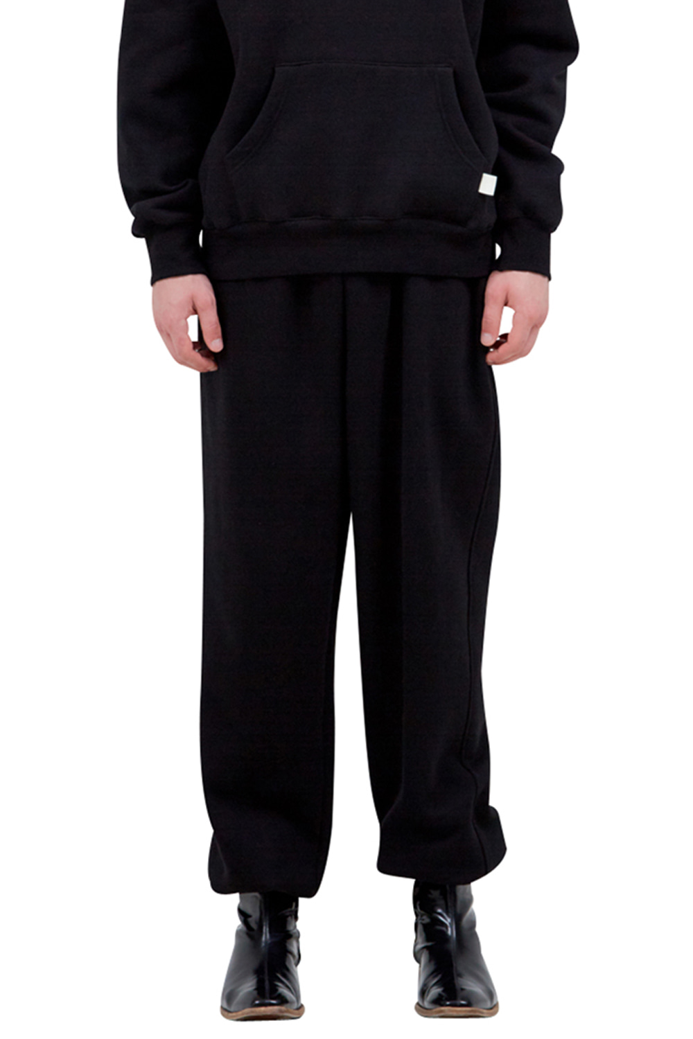 BLACK SIGNATURE LABEL TRACK PANTS